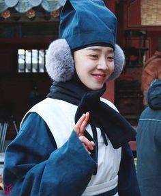 Drama Tv Shows, Drama Film, Kdrama, Golden Life, Cute Memes, Ji Chang Wook, Korean Actors, Korean Drama, Actors & Actresses