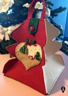 Christmas Bag small - panettone or cake holder, present holder or storage holder Christmas Bags, Christmas Wrapping, Felt Christmas, Christmas Stockings, Christmas Crafts, Christmas Decorations, Xmas, Christmas Ornaments, Cake Holder