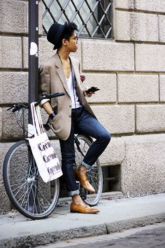 Model: Jerome C./21/Milan  (Jeans-H+M, Tee-Zara, Shoes-Aldo)