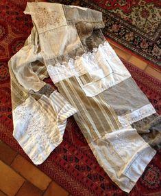 une étole en tissus et dentelles anciennes 2,5m x 0,47  vrai patchwork