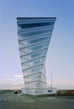 BBI Info-Tower / Kusus   Kusus Architekten