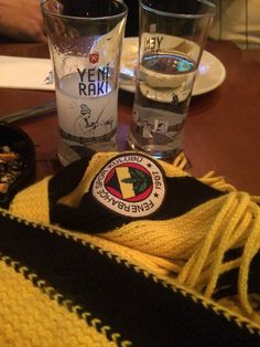 Fenerbahçe A bottle is a narrow-necked container created from an impermeable material in a variety o Vodka Shots, Vodka Cocktails, Vodka Martini, Absolut Vodka, Smirnoff, Ocean Bottle, Vodka Tonic, Vodka Sauce, Martini Recipes