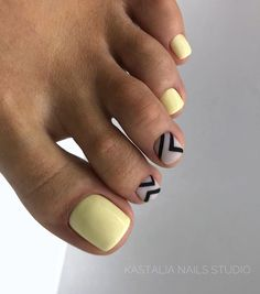 36 Die Trend Toe Art Nageldesigns im Sommer, Toe Nail Color, Toe Nail Art, Nail Colors, Acrylic Nails, Sexy Zehen, Cute Toe Nails, City Nails, Feet Nails, Toenails