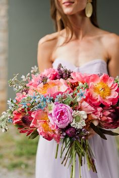 Make a DIY bridal bouquet using this easy-to-follow flower recipe. Also includes pastel wedding inspiration and bridesmaid dress options.