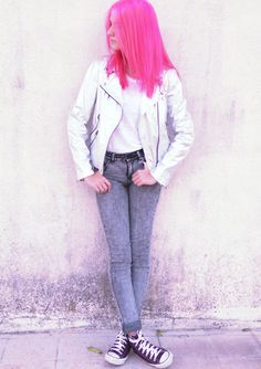 """Rebecca of """"Rebecca Rendina"""" tops off her look with UO's belt and converse high top sneakers #urbanoutfitters #converse #pinkhair"""