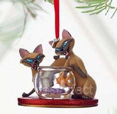Disney Store Si Am Sketchbook Xmas Ornament Lady Tramp Cat Fishbowl Figurine NIB Hallmark Ornaments, Xmas Ornaments, Disney Christmas Decorations, Christmas Ideas, Merry Christmas, Holiday Decor, Country Bears, Disney Figurines, Disney Love