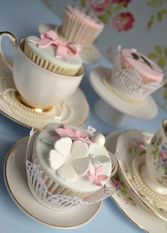 i love these tea cup cakes!