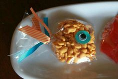 Goldfish snack or favor bags So cute for a birthday party. Little Mermaid Birthday, Under The Sea Party, 4th Birthday Parties, Birthday Ideas, 3rd Birthday, Party Time, First Birthdays, Favor Bags, Goodie Bags