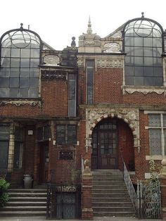 London.  These houses were built specifically for artists.  The large windows are where the studio space is located. There are four of these houses in a row. Photos do not do these justice....I WANT one!