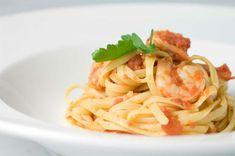 Spicy food during pregnancy Prawn Recipes, Spicy Recipes, Seafood Recipes, Italian Recipes, Pasta Recipes, Italian Foods, Tomato Pasta Recipe, Garlic Pasta, Garlic Shrimp