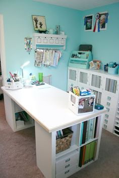 Make Your Own DIY Craft Table Using Inexpensive Pieces - Organize and Decorate Everything