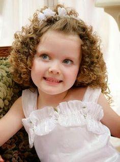 peinados de niñas cabello rizado