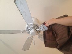 Use a pillow case to clean your fan blades without getting dust all over the place -- 14 Clever Deep Cleaning Tips & Tricks Every Clean Freak Needs To Know Deep Cleaning Tips, House Cleaning Tips, Spring Cleaning, Cleaning Hacks, Cleaning Products, Cleaning Solutions, Organizing Tips, Cleaning Supplies, Cleaning Shoes