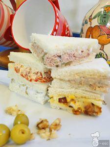 Si quieres hacer unos aperitivos originales, presta atención a estas ideas para hacer rellenos de sándwich, canapés, tartaletas de hojaldre e incluso de huevos rellenos. Con ingredientes fáciles de conseguir, son recetas muy sencillas y económicas. ¡Ideales para fiestas y reuniones! A la hora de preparar los sándwiches o canapés de una fiesta que estemos organizando en casa siempre optamos por las ...