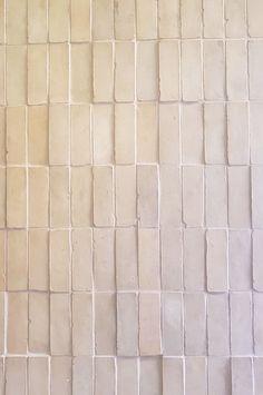 Tadelakt, Tiles Texture, Texture Walls, Brick Texture, Moroccan Tiles, Moroccan Lanterns, Turkish Tiles, Moroccan Decor, Tile Design