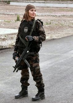 Turkish Army Beauty and the Bullets, guns and war - Steven Benjamin - Writer Fortes Fortuna Adiuvat, Airsoft Girls, Turkish Army, Rangers, By Any Means Necessary, Female Soldier, Army Soldier, Warrior Girl, Military Women