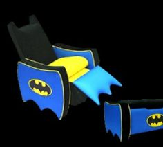 Warner Brothers Batman Ultimate Toy Box is a great spot for your little one to store their toys. This toy box is durable and padded for cushy, softness. The icon seat back and arms are covered in a cozy black velvet.
