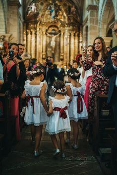 La boda de Ana y Javier. Fotografías: Pelayo Lacazette Wedding Planer, Fashion Show, Fashion Outfits, Backless Wedding, Bridesmaid Dresses, Wedding Dresses, Bridal, Preppy, Marie