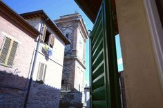 House in Castelnuovo Berardenga, Italy. Lovely apartment in the medieval village of Castelnuovo Berardenga, the municipality located 20 km from Siena, in the Chianti Classico southern borders. Apartment, completely renovated, double bedroom, kitchen, bathroom and living room. The sofa b...