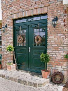 Haustüren aus Kunststoff oder Holz mit Stilelemen... - #aus #fassade #Haustüren #Holz #Kunststoff #mit #oder #Stilelemen
