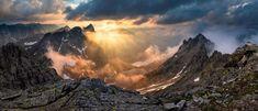 Úžasná scenéria Vysokých Tatier z vrchu Rysy ⛰🌲 Foto: Miroslav Konfál