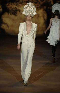 Alice Temperley  Ballet Russes-inspired bridal outfit