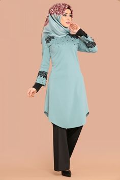 ** YENİ ÜRÜN ** Güpür Ve İnci Detay Tunik Mint Ürün Kodu: PRM3048 --> 49.90 TL Hijab Fashion, Fashion Dresses, Lehenga Saree, Beautiful Hijab, Mode Hijab, Hijabs, Embellished Dress, Blouse Dress, Ao Dai