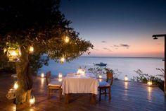 Honeymoon Inspiration: Top 10 Super Romantic Tables-for-Two Romantic Candle Light Dinner, Romantic Table, Romantic Candles, Romantic Evening, Romantic Dates, Romantic Dinners, Candlelight Dinner, Romantic Ideas, Romantic Scenes