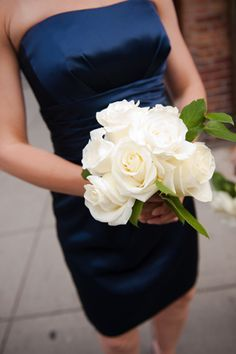 Midnight Blue Bridesmaid Dresses with white bouquets | navy-blue-dress-white-flowers