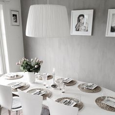 Dining place in grayscale - simple and elegant. Interior Design Living Room, Interior Decorating, Interior Paint Colors, Scandinavian Living, Modern Country, Table Settings, Sweet Home, Dining Table, Walls