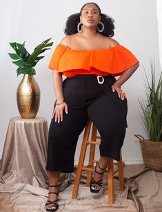 View our Off the Shoulder Ruffle Top and shop our selection of plus size designer women's Tops, plus size clothing and fashionable accessories. Plus Size Pants, Plus Size Tops, Trendy Plus Size, Plus Size Fashion For Women, Curvy Women Fashion, Plus Size Women, One Shoulder Tops, Off The Shoulder, Plus Size Posing