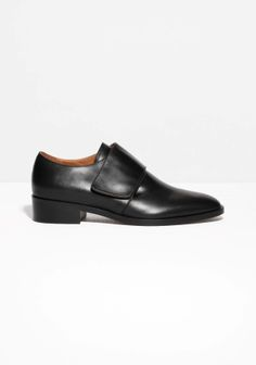 Stacked leather heel Rubber outsole and cushioned leather insole Heel height: 3 cm