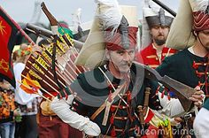 RUSSIA, MOLODI VILLAGE - JULY 27: Unidentified man  in retro costume with archery on event dedicated to Victory in battle near the Molodi village 1572, on July 27, 2013, in Moscow region, Russia Лучник с ружьём