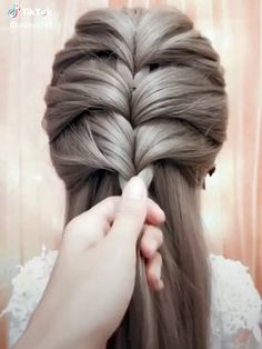 Braids Buns and Twists! Step-by-Step Hairstyle Tutorials Braids Buns and Twists! Step-by-Step Hairstyle Tutorials The post Braids Buns and Twists! Step-by-Step Hairstyle Tutorials appeared first on Frisuren Bob. Step By Step Hairstyles, Easy Hairstyles For Long Hair, Up Hairstyles, Amazing Hairstyles, Wedding Hairstyles, Elvish Hairstyles, Braids Step By Step, Braided Bun Hairstyles, Toddler Hairstyles