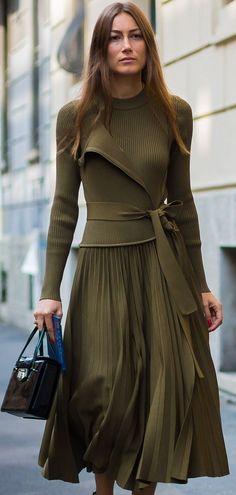 3ddec3f4c922fa My new favorite color - kaki and my new favorite pattern- pleats Mode Femme  Tendance