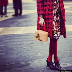 Love this!! I collect vintage purses - and - luv luv luv the whole ensemble :-)