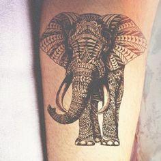 Тату дотворк индийский слон на руке