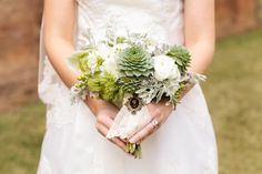 Rustic Elegant bouquet with a beautiful brooch.