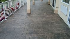 Betonul amprentat cunoscut şi sub numele de beton ştampilat sau beton imprimat, este un beton proiectat ( decorat ) în aşa fel încât să semene cu cărămida, piatra de râu, gresia, faianţa, chiar şi cu lemnul.
