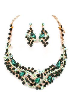 Emmaline Crystal Statement Necklace Set in Emerald on Emma Stine Limited Crystal Statement Necklace, Necklace Set, Women Accessories, Jewelry Accessories, Jewelry Design, Fashion Jewelry Necklaces, Jewelery, Indian Jewelry Sets, Jewelries