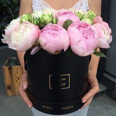 "848 Likes, 9 Comments - ЦВЕТЫ МОСКВА•ЕКАТЕРИНБУРГ•СОЧИ (@bloomdefleur) on Instagram: "" #bloomdefleur #ekb #flowers #flowerpower #ekb #пионы #цветывкоробке #пионыекб #цветыекб…"""