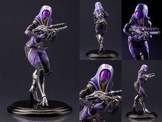This collectible Tali'Zorah Mass Effect 3 Kotobukiya Bishoujo Statue comes brand new in its package. Kotobukiya returns to Mass Effect for their next Bishoujo statue: the long awaited Tali'Zorah! Base