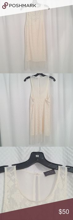 NWOT cream lace fringe dress 🌸NWOT Astr dress  ✖️Condition✖️ 🌸new condition 🌸never worn  ✖️Detail✖️ 🌸color: cream, beige, ivory 🌸size: medium  🌸Purchased at Nordstrom.  Stored hung in closet in a smoke free home. Astr Dresses
