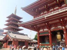Senso-ji, a Buddhist temple located in Asakusa, Tokyo. Love!