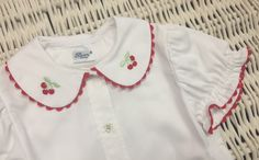 www.mamibu.com  #camicetta #bambina #con #ricamo #ciliegie #baroni #madeinitaly #firenze #babygirl #littlegirl #style