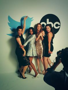 Bellamy Young, Kerry Washington, Darby Stanchfield, Katie Lowes