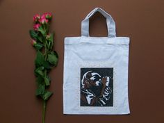 Kresba na textil by Lady Lu * Reusable Tote Bags, Textiles, Drawings, Lady, Handmade, Sketches, Hand Made, Draw, Craft