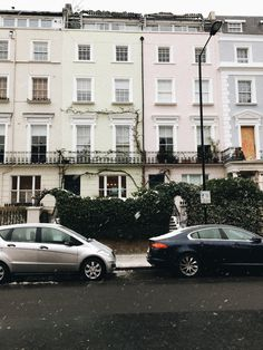 snow in Notting Hill Notting Hill, December, Snow, Mansions, House Styles, Pictures, Home Decor, Photos, Decoration Home