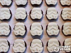 Stormtroopers cupcakes! #vegan #chubbyvegan #chocolate #cupcake #starwars #Stormtrooper