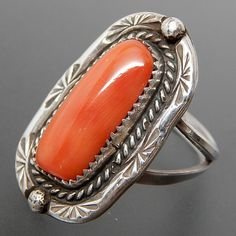 Metal: Silver Metal Purity: .925 Hallmark: Tested for sterling silver Size: 5.25 Artisan: Unknown Tribe Affiliation: Navajo Width ( inches / mm ): 1.04 / 26.5 Weight ( gram ): 5.5 Condition: Vintage C